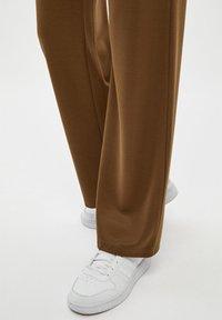 Desires - GAIL - Trousers - beech green - 3