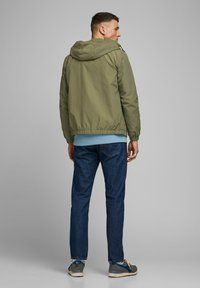 Jack & Jones - JORHARLEY - Summer jacket - dusty olive - 2