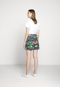 Polo Ralph Lauren - CLASSIC FIT PREPSTER - Short - flamingo  print - 5