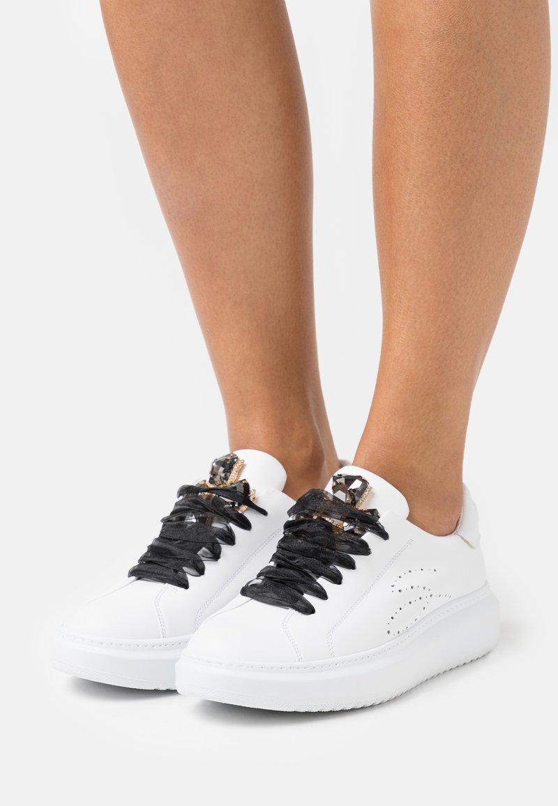 Tosca Blu - AGATA - Sneakers laag - nero