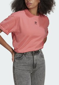 adidas Originals - TEE - Basic T-shirt - hazy rose - 3