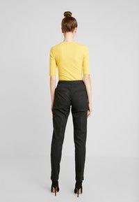 Selected Femme Tall - SLFLUNA ANKLE PANT - Trousers - dark grey melange - 3