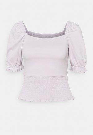 Camiseta básica - lilac