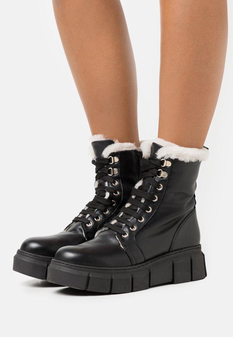 Mis Pepas - MILITARY - Winter boots - black