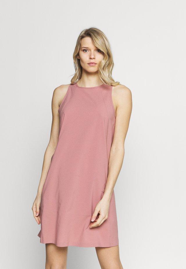 CONTENTA SHIFT DRESS WOMENS - Vestito estivo - momentum