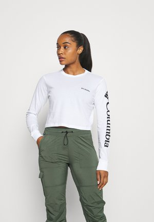 NORTH CASCADES LONG SLEEVE CROPPED TEE - Long sleeved top - white