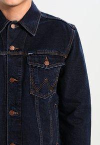 Wrangler - WESTERN - Denim jacket - blue black - 3