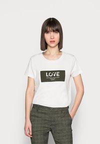 Mos Mosh - CHÉRIE TEE - Print T-shirt - grape leaf - 0