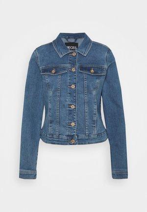 PCAIA FITTED JACKET - Veste en jean - light blue denim