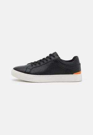 EISINGEN - Sneaker low - black