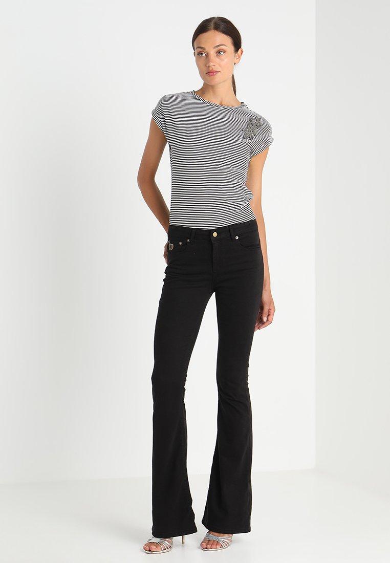LOIS Jeans RAVAL LEA SOFT COLOUR - Stoffhose - black/schwarz FtJMo7