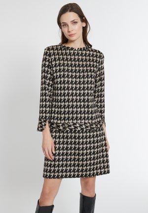 EMELA - Jumper dress - schwarz