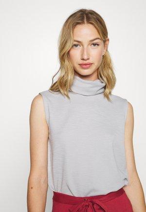 ONLLAYLA HIGHNECK  - Print T-shirt - light grey melange