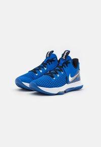 Nike Performance - LEBRON WITNESS 5 - Basketball shoes - game royal/white/black - 1