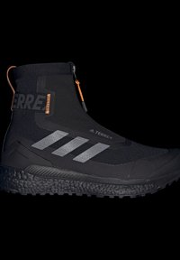 adidas Performance - TERREX BOOST COLD.RDY PRIMEKNIT HIKING SHOES - Chaussures de marche - schwarz / orange - 7