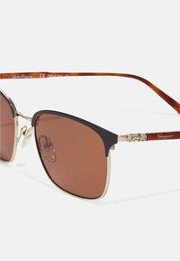 Salvatore Ferragamo - UNISEX - Sunglasses - onyx/shiny gold-coloured - 4