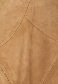 More & More - PATCHED SKIRT - Leather skirt - powder sand - 2