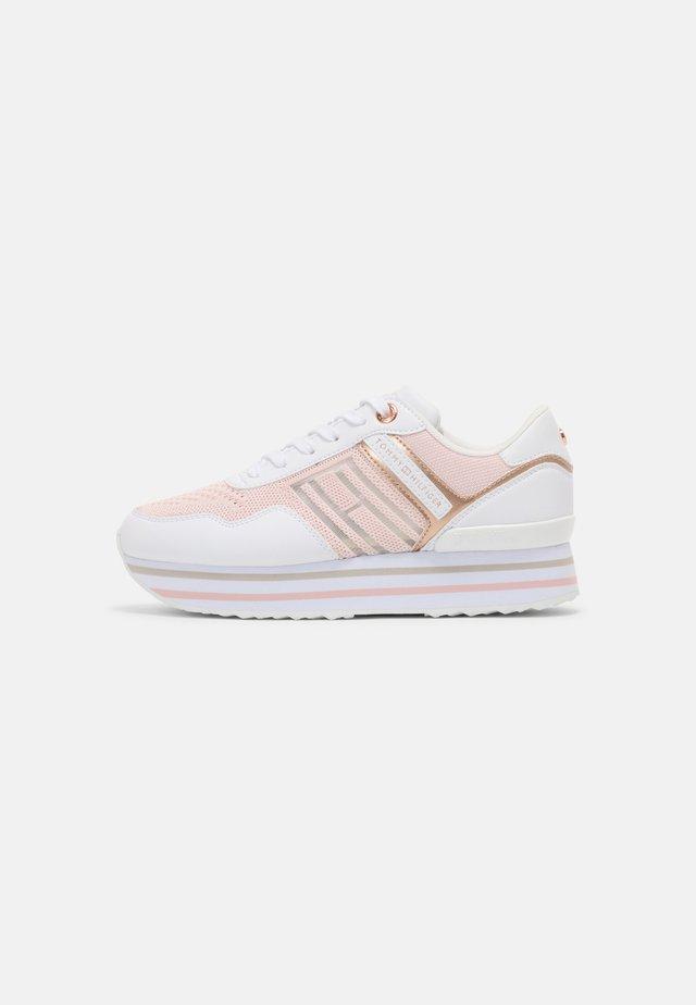 KNITTED FLATFORM SNEAKER - Sneakers basse - light pink