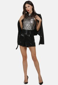 faina - Shorts - black - 1