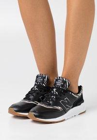 New Balance - CW997 - Zapatillas - black - 0