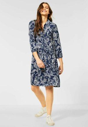 MIT PAISLEY PRINT - Shirt dress - blau