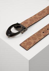 Coach - BUCKLE SIGNATURE BELT - Ceinture - light brown/black - 2