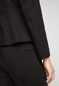 s.Oliver BLACK LABEL - Blazer - black - 5