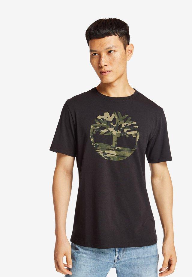 KENNEBEC RIVER CAMO TREE TEE - T-shirt z nadrukiem - black