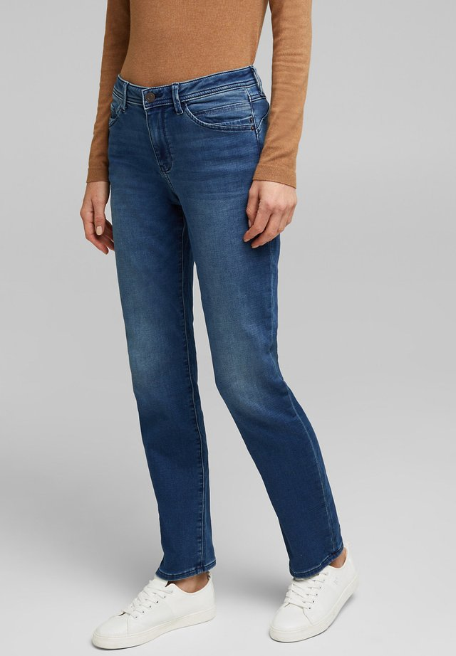 MIT ZIERNÄHTEN - Straight leg jeans - blue medium washed