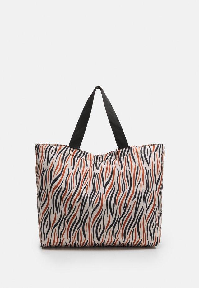 ZOBRA FOLDABLE BAG - Tote bag - true