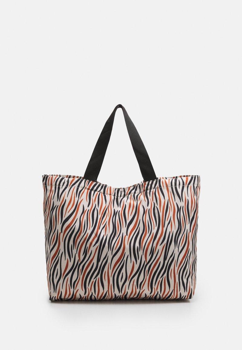 Becksöndergaard - ZOBRA FOLDABLE BAG - Shopper - true