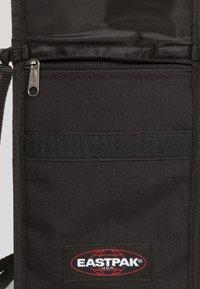 Eastpak - CULLEN CORE  - Across body bag - black - 4