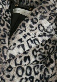 InWear - Classic coat - leo fur - 6