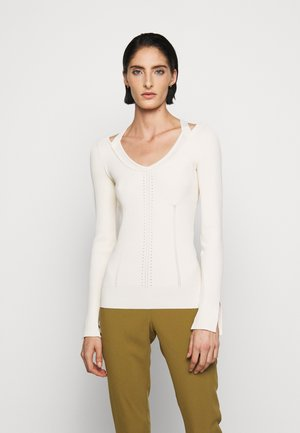 CUT OUT SLIM - Strikkegenser - off white