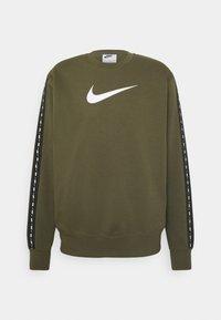 Nike Sportswear - REPEAT CREW - Sweatshirt - medium olive - 1