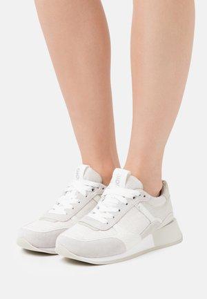 Tenisky - blanco