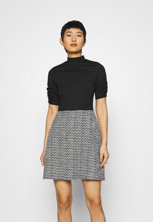 DRESS - Denní šaty - mono