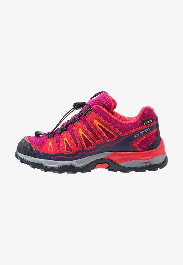 X-ULTRA GTX - Hiking shoes - weinrot/rot