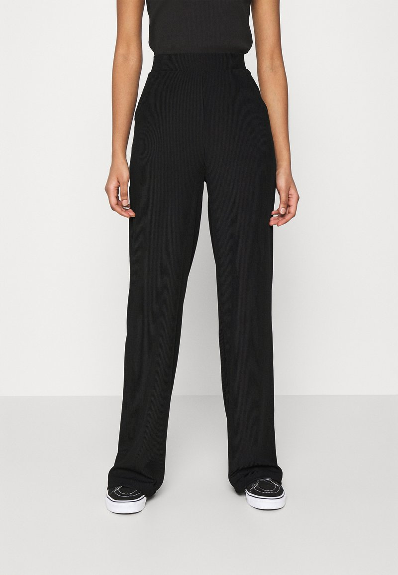 Nly by Nelly - WIDE POCKET PANTS - Broek - black