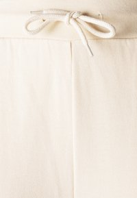 Even&Odd - SLIM FIT SWEAT JOGGERS  - Tracksuit bottoms - off-white - 5