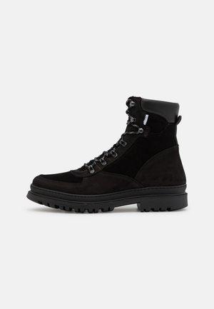TYLER DESERT BOOT - Veterboots - black