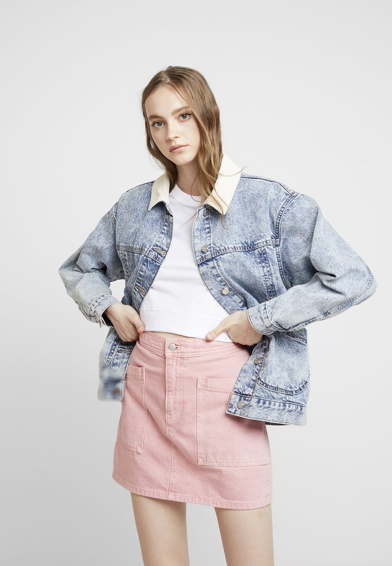 Topshop - ACID COLLAR SHACKET - Veste en jean - bleach