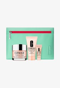 Clinique - MOISTURE SURGE VALUE SET - Skincare set - - - 0