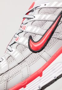 Nike Sportswear - P-6000 - Trainers - football grey/university red/black/white - 8