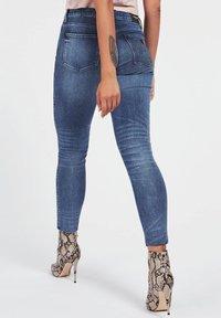 Guess - SKINNY BIJOU - Jeans Skinny Fit - bleu - 2
