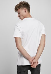 Mister Tee - TUPAC PROFILE - Print T-shirt - white - 1