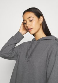 Even&Odd - MINI HOODED LOOSE FIT DRESS - Day dress - mottled grey - 4