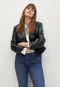 Violeta by Mango - MARTINA - Bootcut jeans - dark blue - 3