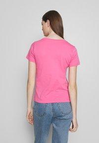 ONLY - ONLDISNEY MIX  - Triko spotiskem - pink carnation/timon - 2