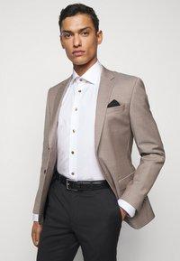 Eton - CONTEMPORARYWHITE ETON POPLIN SHIRT - Formal shirt - white poplin - 4